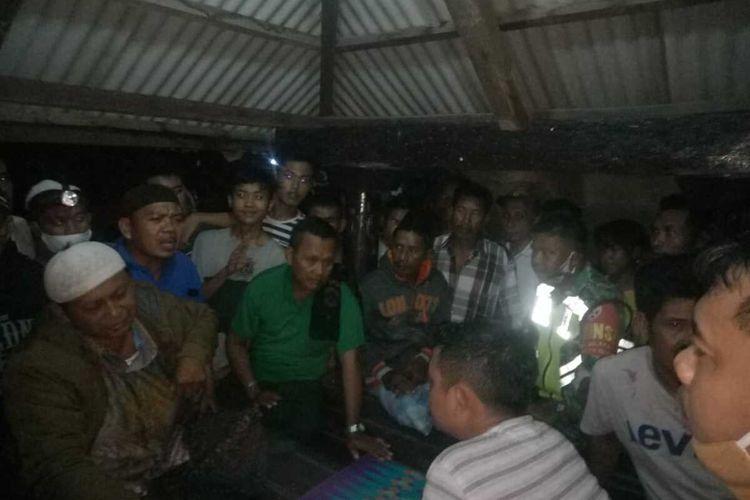 Pelaku BB saat ditangkap anggota Bhabinkamtibmas Polres Lombok Tengah