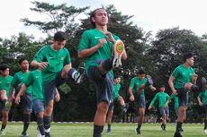 Cucu BJ Habibie Resmi Sepakati Kontrak dengan Borneo FC
