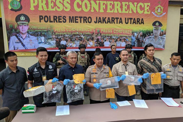 Press Release Polres Metro Jakarta Utara kasus penganiayaan yang menyebabkan korban tewas di Pantai Beachpool Ancol