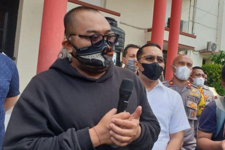 """Videonya Viral karena Hina Pemakai Masker, Putu Aribawa Jadi Duta Covid-19,  Satpol PP Sebut dari """"Zero"""" Jadi """"Hero"""" Halaman all - Kompas.com"""