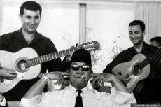 Saat Presiden Soekarno Menutup Kuping Dengar Musik Ngak Ngik Ngok...