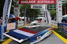 Tim Belanda Juara Balap Mobil Tenaga Surya di Australia