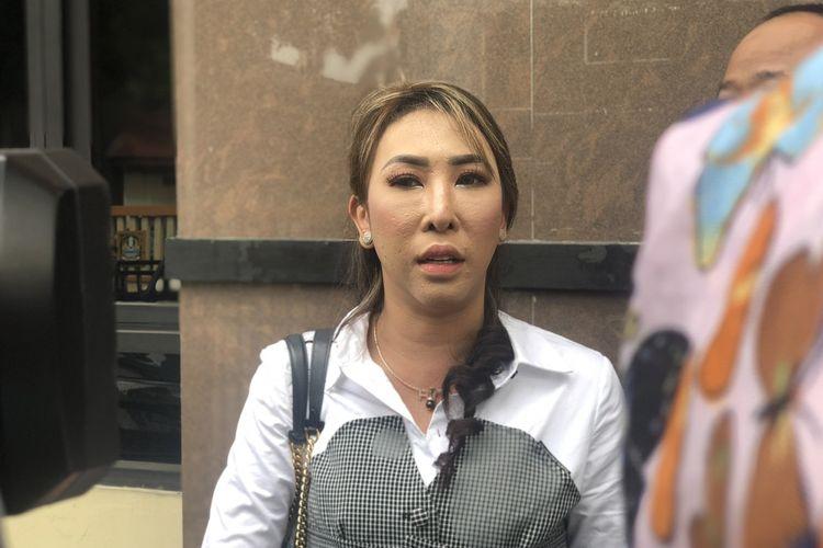 Henny Mona saat ditemui di Pengadilan Agama Bekasi, Jawa Barat pada Kamis (17/12/2020).