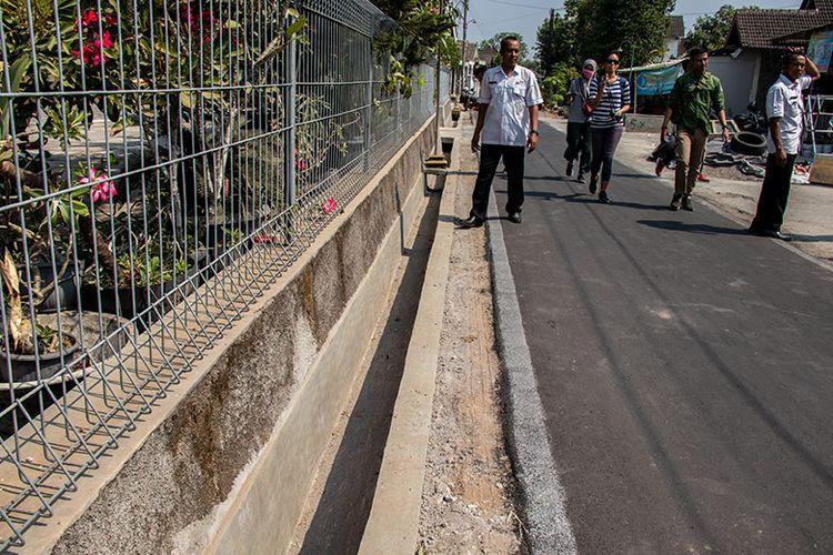 Saluran air di Desa Papahan Karanganyar yang dibangun untuk meningkatkan kualitas kesehatan masyarakat.