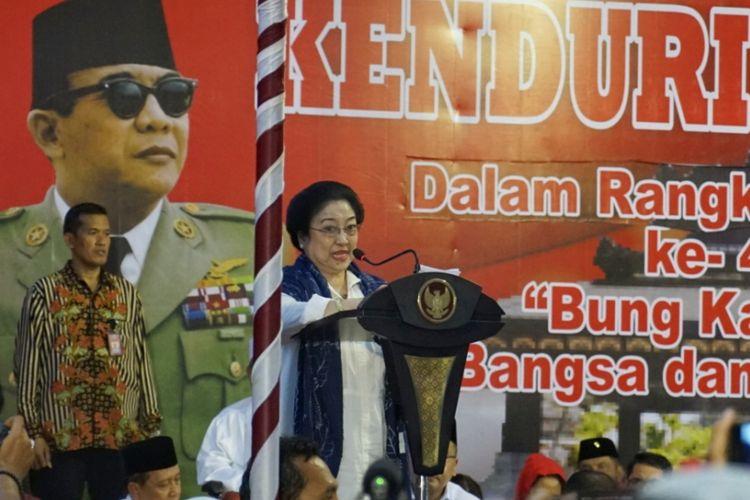 Ketua Umum PDI Perjuangan Megawati Soekarnoputri saat memberikan sambutan pada acara haul ke-48 Bung Karno, di Blitar, Jawa Timur, Rabu (20/6/2018).