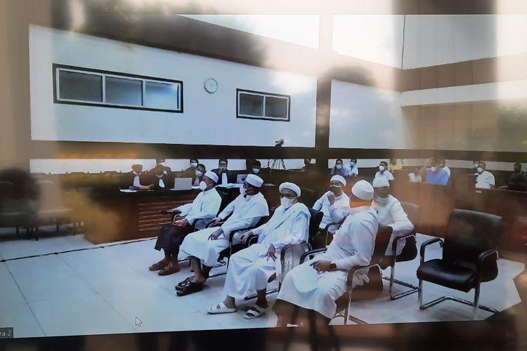 Sidang kasus kerumunan massa yang terjadi di Petamburan, Jakarta Pusat dan Megamendung, Kabupaten Bogor dengan terdakwa Rizieq Shihab akan dilanjutkan pada Kamis (6/5/2021).