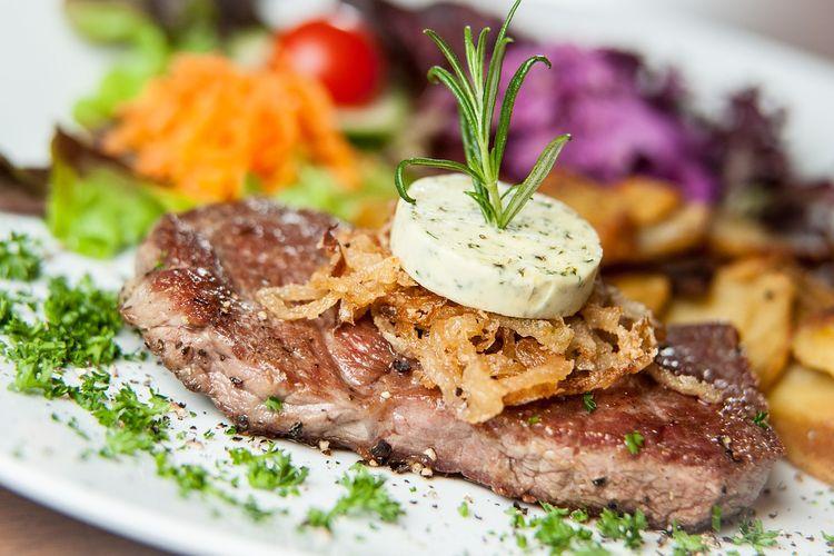 ILUSTRASI - Steak