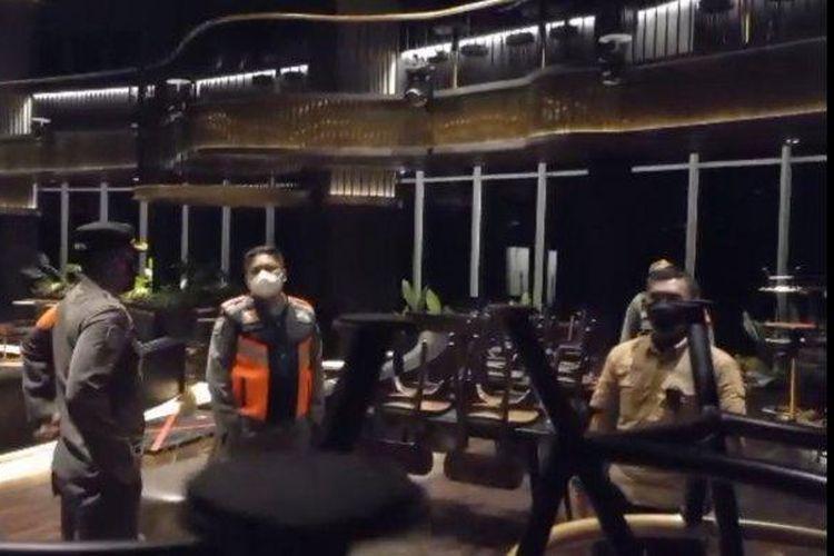 Kafe Holywings dan Camder Bar di Jakpus, Kosong Saat Disidak Satpol PP, Kamis (9/9/2021) malam.