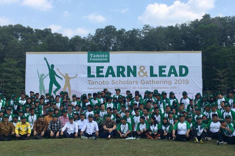 Sebanyak 221 penerima beasiswa Tanoto Foundation dari 9 universitas negeri Indonesia berkumpul dalam acara Learn and Lead Tanoto Scholarship Gathering 2019 yang diadakan di Pangkalan Kerinci, Riau, 30 Agustus - 2 September 2019.