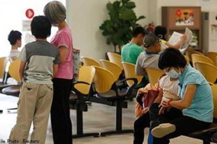 Pasien yang mengunjungi rumah sakit Singapura menyusul gangguan kesehatan akibat kabut asap