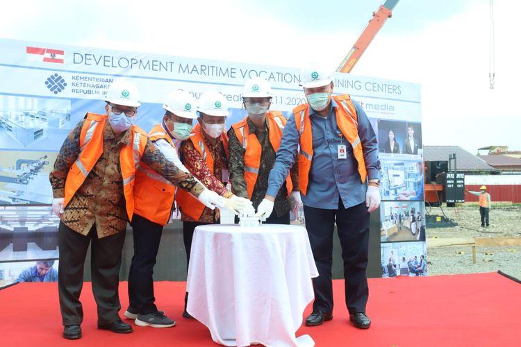 Dirjen Binalattas Kemnaker, Budi Hartawan beserta jajarannya dalam kegiatan pengembangan BLK Maritim, BBPLK Medan melalui pembiayaan PHLN Austria di BBPLK Medan, Rabu, (11/11/2020).