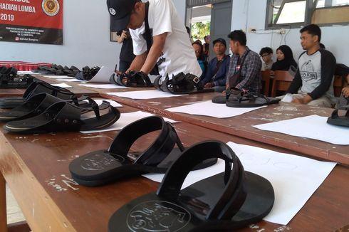 Warga Kampung Ini Menyulap Ban Bekas Jadi Sandal, Kursi, hingga Onderdil Kendaraan