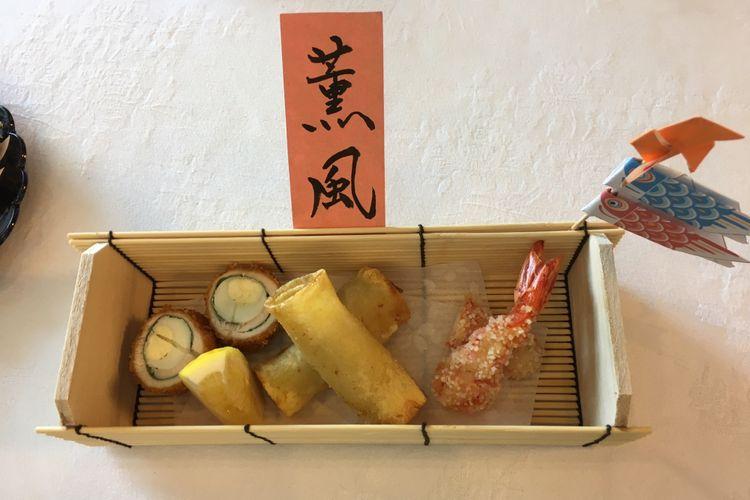 Sasami Gekkan Cornflake-Age, Torino Bareisho Maki-age, Mijinko-Age, Gorengan ala Jepang di Kediaman Duta Besar Jepang di Indonesia, Jakarta, Senin (7/5/2018).