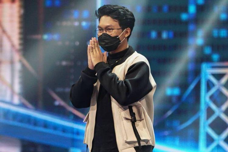 Kelvin Jojo, kontestan Indonesian Idol Special Season yang terhenti di babak Spektakuler Show Top 9.