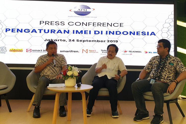 Kiri-kanan: Ririek Adriansyah, Ketum ATSI; Merza Fachys Waketum ATSI; dan Marwan O Baasir, Sekjen ATSI di acara jumpa media di Jakarta, Selasa (24/9/2019).