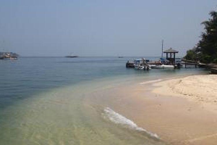 Pulau Bidadari, merupakan salah satu pulau dari gugusan Pulau Seribu. Pulau ini merupakan pulau terdekat dengan Jakarta yang bisa dicapai hanya dalam waktu 20 menit menggunakan speedboat.