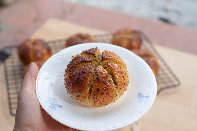 Ilustrasi cream cheese garlic bread ala Korea.