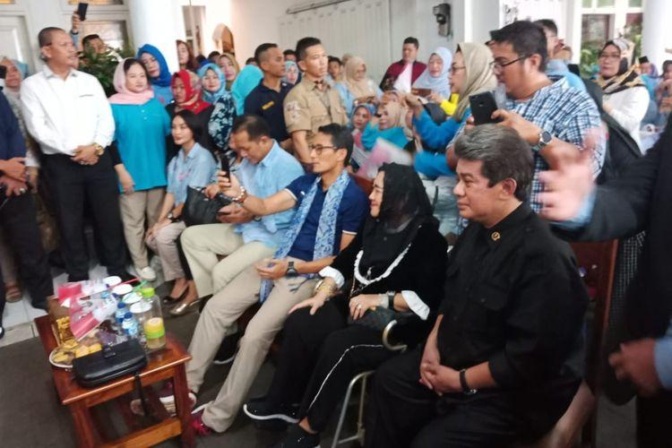 Calon wakil presiden nomor urut 02 Sandiaga Uno hadir dalam acara peluncuran situs web Partai Emak-Emak, di Jalan Jatipadang, Jakarta Selatan, Rabu (6/11/2018).
