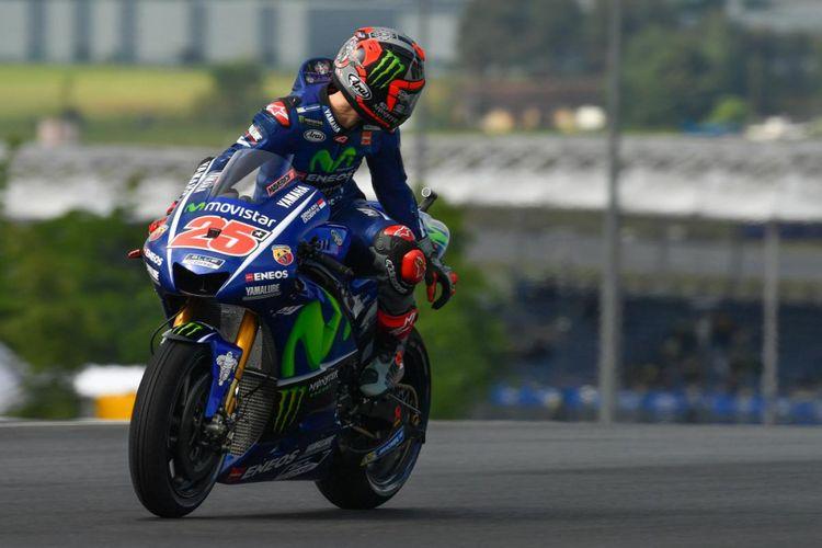 Pebalap Movistar Yamaha MotoGP asal Spanyol, Maverick Vinales, bereaksi pada sesi latihan bebas pertama GP Perancis di Sirkuit Le Mans, Jumat (19/5/2017).