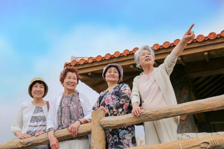 Penduduk Okinawa, Jepang, terkenal panjang umur dan terhindar dari penyakit. Banyak di antara mereka yang hidup sampai usia di atas 90 tahun.