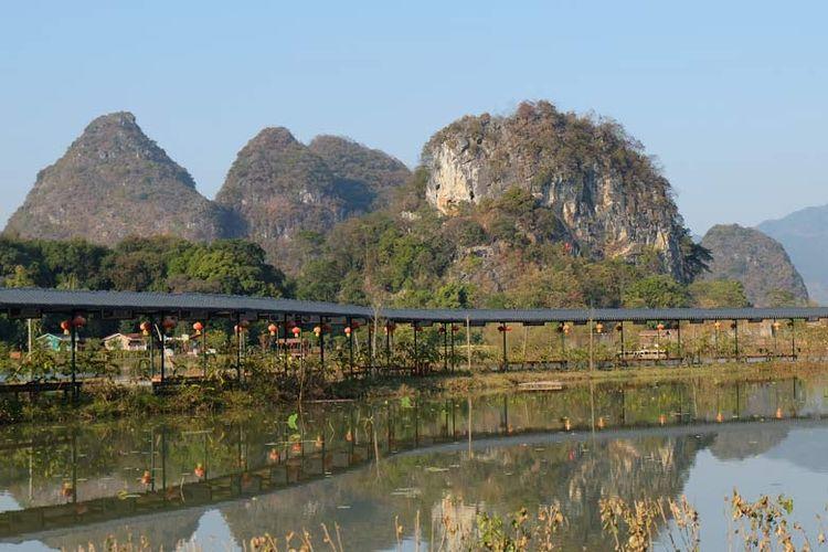 Terdapat beragam spot foto menarik di area wisata Jiulong Town.