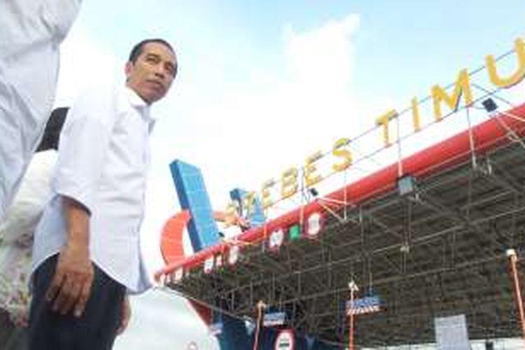 Presiden Jokowi usai meresmikan Tol Pejagan-Pemalang, kamis (16/6/2016).