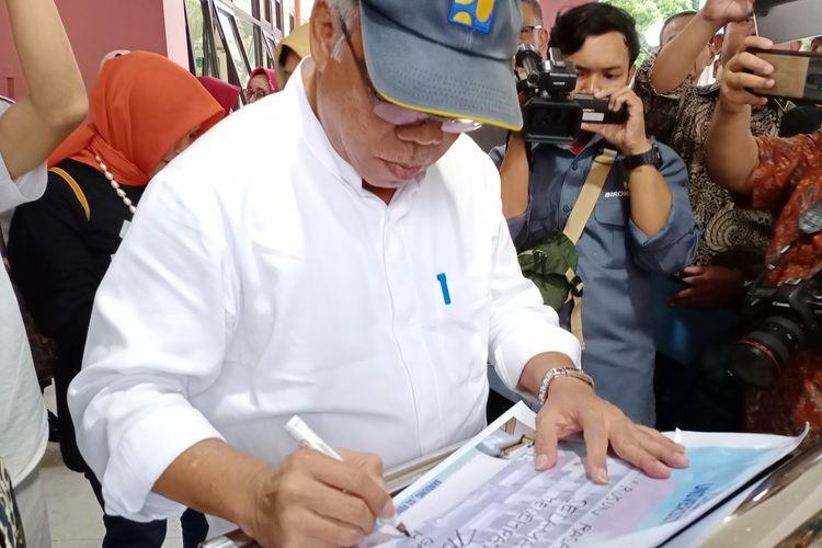 Menteri PUPR Basuki Hadimuljono meresmikan rusunawa mahasiswa Universitas Padjadjaran, Jatinangor, Sumedang, Sabtu (1/2/2020).
