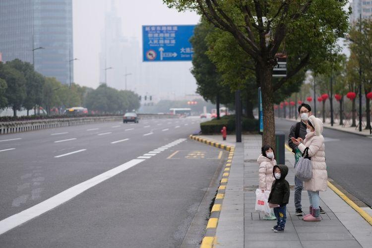 Kondisi jalanan di Shanghai, Tiongkok pasca merebaknya virus corona.