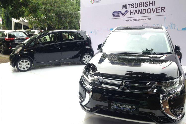Penyerahan mobil plug-in hybrid dan listrik Mitsubishi kepada Kementerian Perindustrian, Senin (26/2/2018).