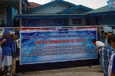 Sejumlah Kader dan Pengurus Segel Kantor DPD Partai Demokrat Maluku Utara