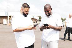 Kanye West Beri DJ Khaled Sepatu Yeezy yang Belum Pernah Dirilis