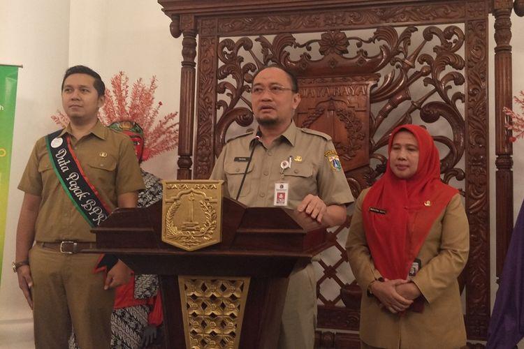 Kepala Badan Pajak dan Retribusi Daerah (BPRD) DKI Jakarta Faisal Syafruddin menjelaskan keringanan pajak untuk warga dalam konferensi pers di Balai Kota DKI Jakarta, Senin (16/9/2019).