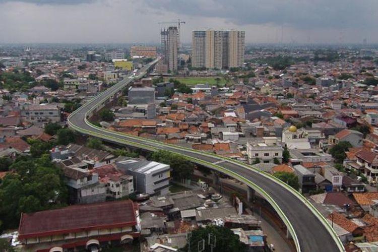 Jalur transjakarta di Koridor 13, rute Ciledug - Kapten Tendean, Jakarta, Rabu (18/1/2017). Jalur transjakarta sepanjang 9,3 kilometer ini akan dilengkapi 12 halte dan direncanakan beroperasi mulai Juni 2017.