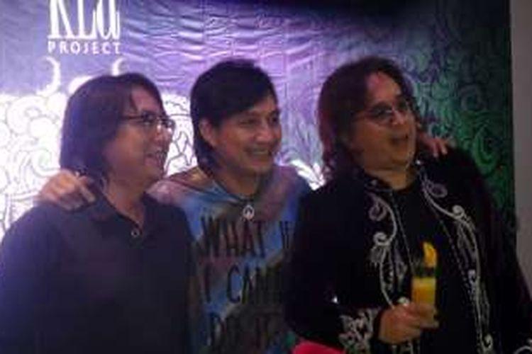 KLa Project, terdiri dari Adi Adrian (kiri), Katon Bagaskara, dan Romulo Radjadin atau Lilo (kanan) mengadakan jumpa pers konser 'Passion, Love, and Culture' di Red Square Resto and Lounge, Gedung Panin, Senayan, Jakarta Pusat, Rabu (2/11/2016).