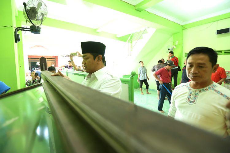 Jumat Resik-resik Masjid (Jarik Masjid) adalah agenda Pemerintah Kota Semarang yang diadakan tiap Jumat selama Ramadhan.