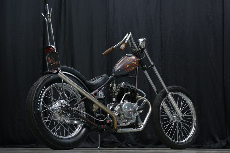 Kawasaki Binter Merzy bergaya skinny chopper garapan Little Man Garage