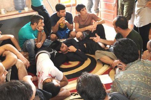Polisi Kolaka Amankan 31 Imigran Gelap Asal Iran