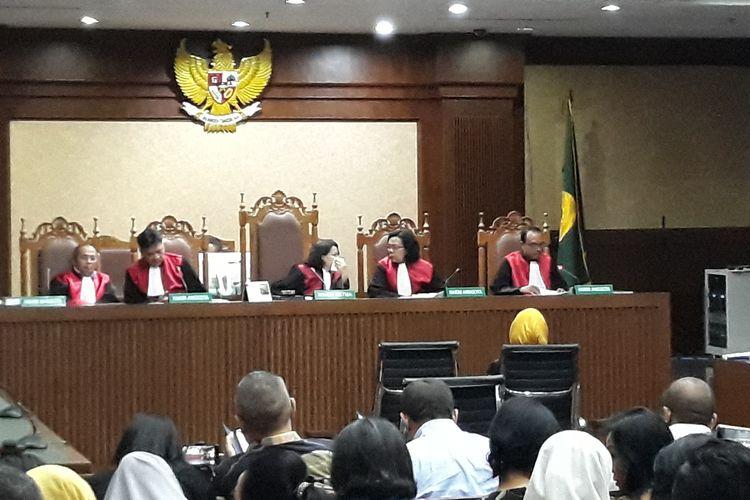 Persidangan terhadap mantan Direktur Utama PT Pertamina, Karen Agustiawan di Pengadilan Tipikor Jakarta, Senin (10/6/2019).