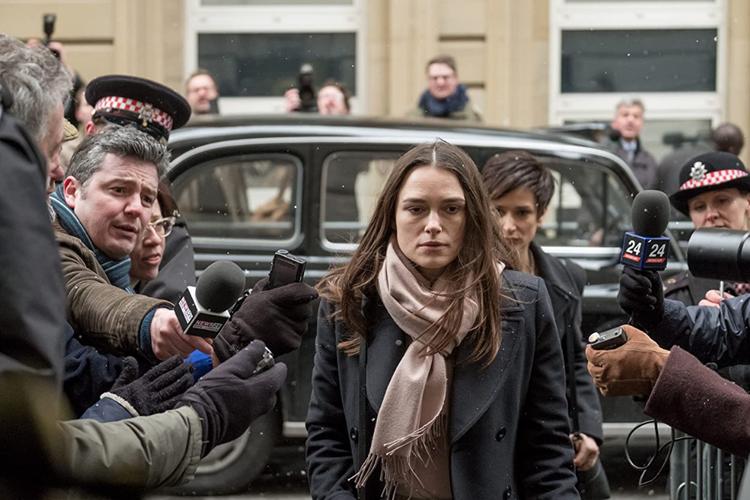 Keira Knightley dalam film drama dokumenter Official Secrets (2019).
