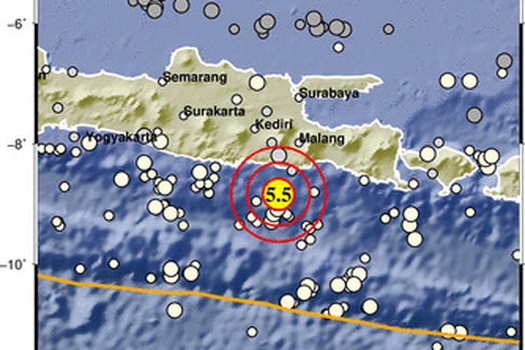 Gempa M 5,5 guncang Malang, Minggu (11/4/2021) pukul 6.54 WIB. Gempa ini tidak berpotensi tsunami, tapi getaran dirasakan luas.