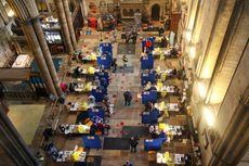 Manfaatkan Gedung Gereja, Vaksinasi Inggris Suguhkan Lantunan Musik Organ