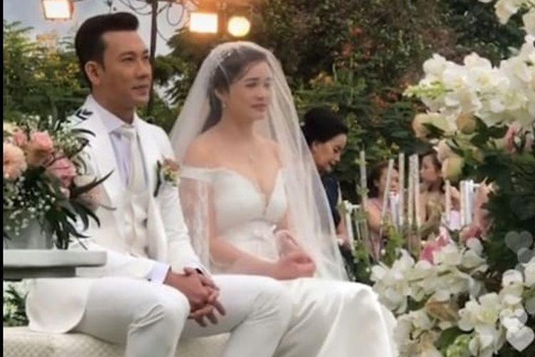 Pernikahan Denny Sumargo dan Olivia Alan digelar hari ini, Sabtu (21/11/2020), secara tertutup dan hanya dihadiri oleh tamu dan kerabat dekat.
