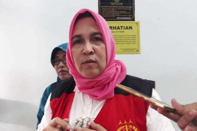 Terdakwa kasus dugaan ujaran kebencian, Asma Dewi, di Pengadilan Negeri Jakarta Selatan, Kamis (1/2/2018).
