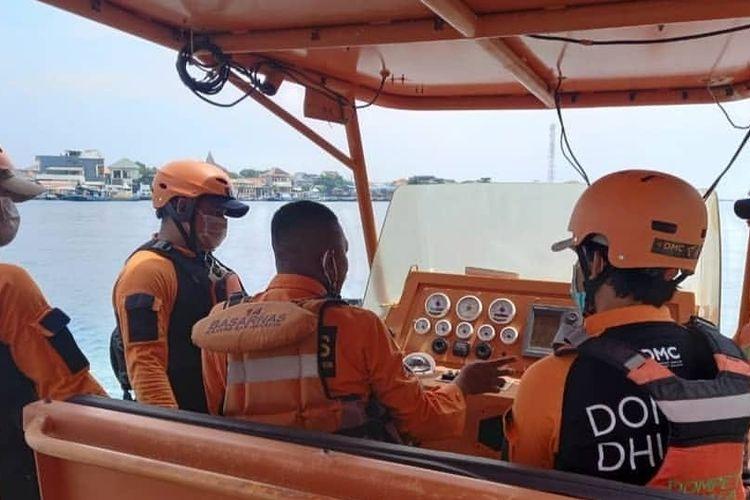DMC Dompet Dhuafa dan Tim SAR Kepulauan Seribu saat menggelar sharing session water rescue dengan Pos SAR Kepulauan Seribu dalam rangka mengisi akhir pekan selama dua hari, mulai dari Sabtu (27/3/2021) hingga Minggu (28/3/2021) di Pulau Karya, Pulau Pramuka, dan Pulau Air, Kepulauan Seribu, DKI Jakarta.