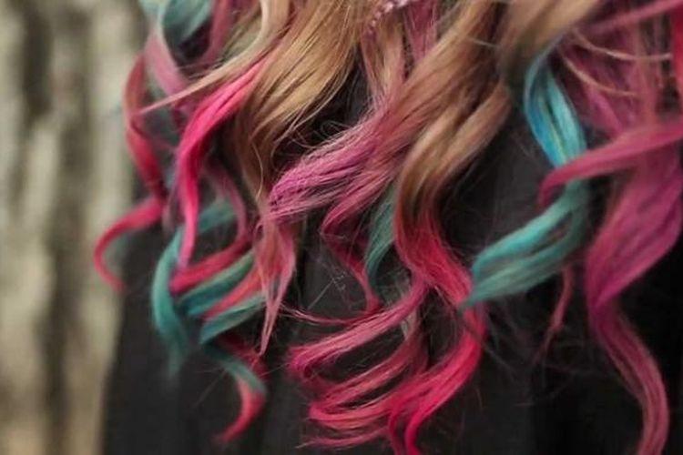 Salah satu tren pewarnaan rambut yang sedang menjadi buah bibir di dunia tata rambut adalah teknik