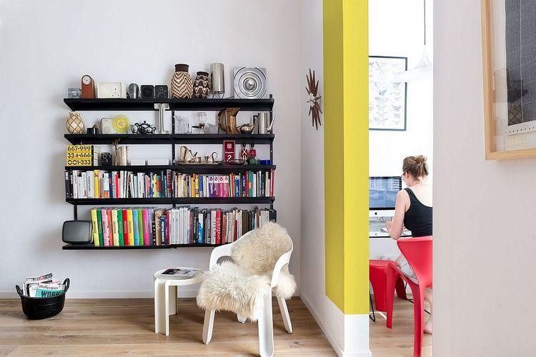 Blok warna ceria untuk apartemen minimalis