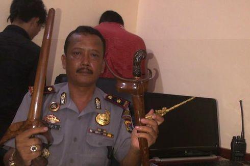 Simpan Keris Curian, Anggota Polisi Berpangkat Bribda Dibekuk