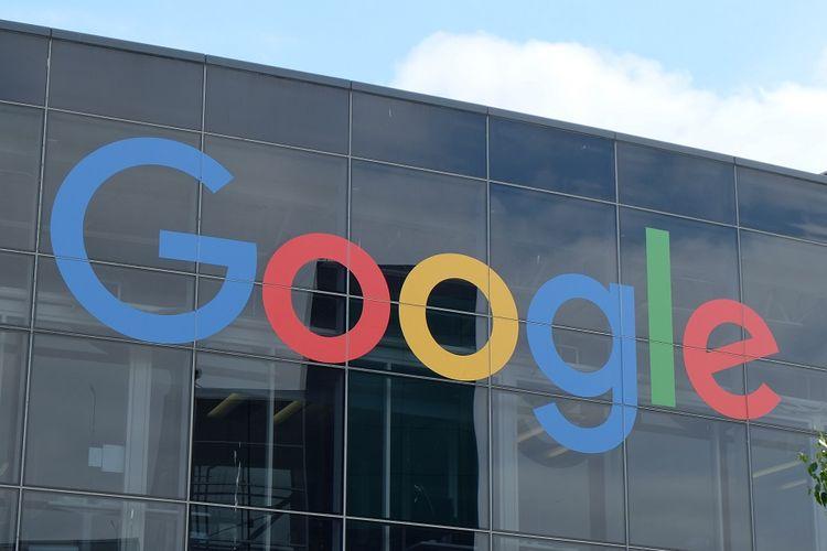 Google kenakan PPN ke pemasang iklan Indonesia. Ilustrasi: logo Google pada bagian depan kantor Google di kawasan Mountain View, California, Amerika Serikat.