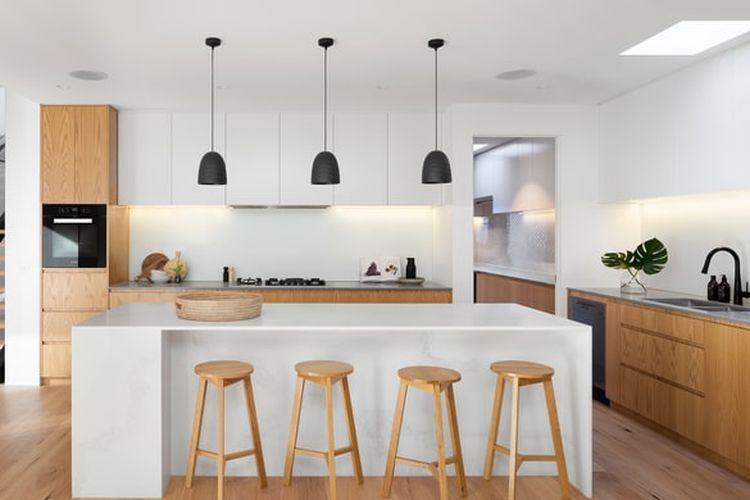 Memilih kelompok warna yang sama akan membuat dapur tampak lebih padu.