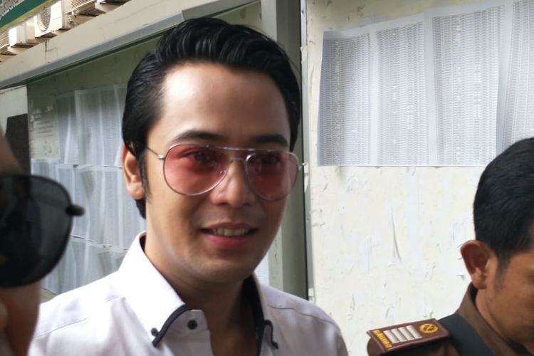 Kriss Hatta tiba di Pengadilan Negeri Jakarta Selatan, kawasan Ampera, Cilandak, Selasa (5/11/2019).